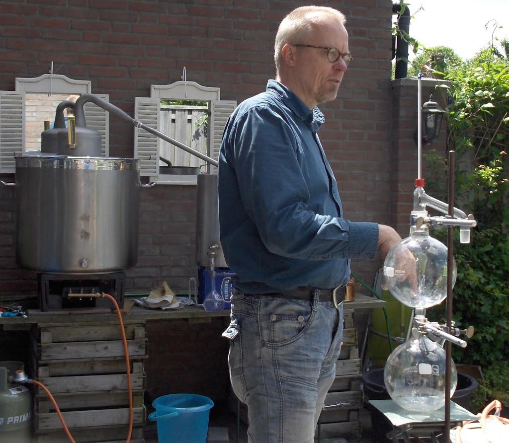 Workshop lariks destilleren